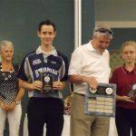 Kevin Armstrong se mérite le prix Hubert Houle pour le meilleur esprit sportif.